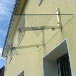 Edelstahl-Vordach mit Glas