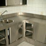 Kücheneinrichtung aus Edelstahl nach Maß