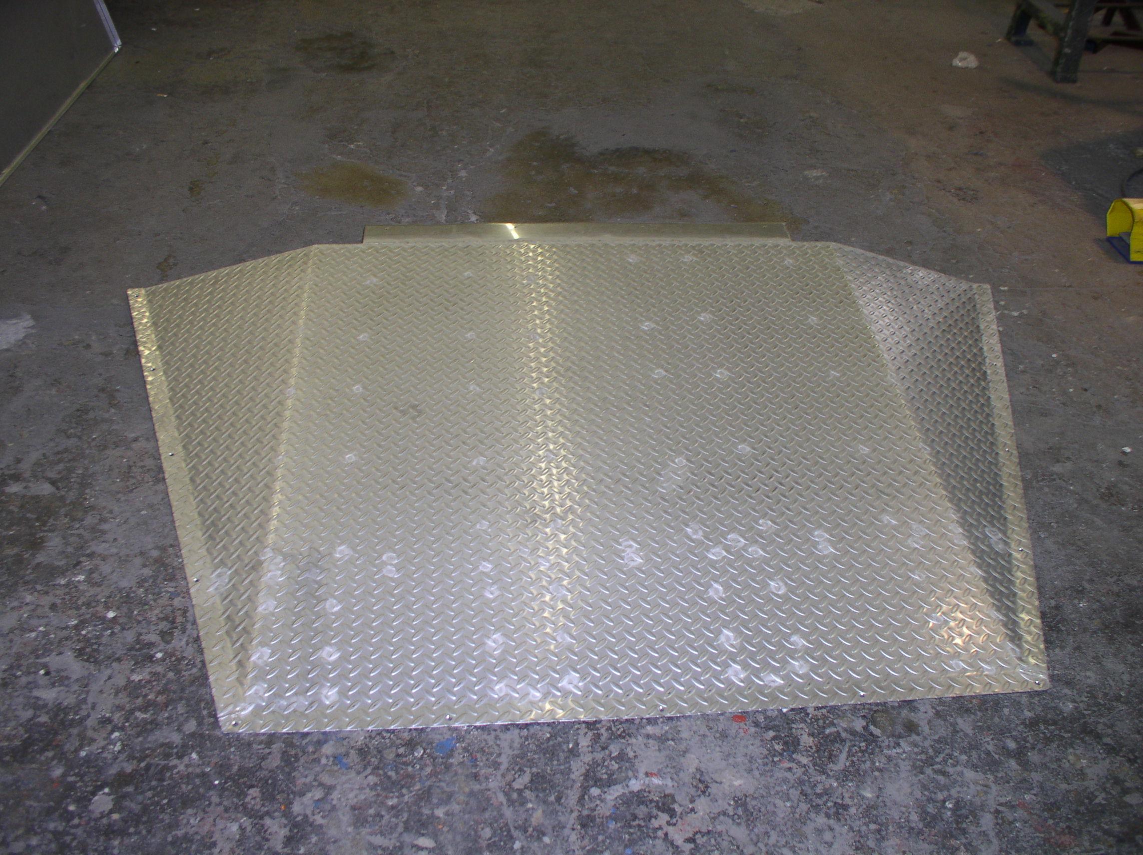 Auffahrrampe nach Maß aus Strukturmetall