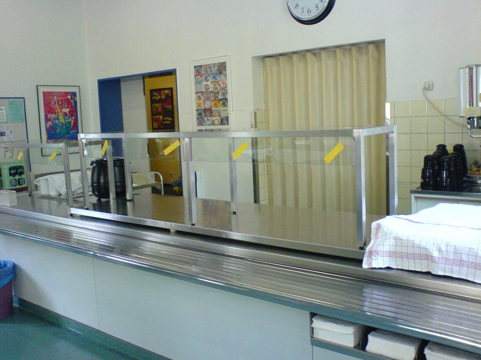 Mobiler Edelstahl-Hustenschutz mit Glas